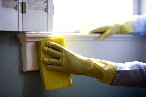 How to Clean Painted Walls Effectively It is important to use a soft sponge when washing so as not to scratch or rub off the paint.